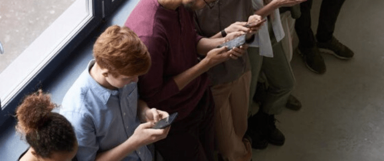everyone on their cell phone, influence