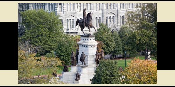 WASHINGTON STATUE IN VIRGINIA